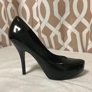 Guess Black Patent Heels Size 8.5M